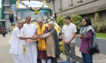 Meal delivery vehicle donated to Hubballi unit