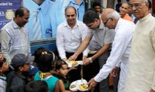 Inauguration of Agra Anganwadi feeding programme