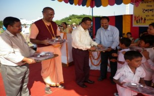 Akshaya Patra Announces Distribution of 47,000 Steel Plates for Government School Children