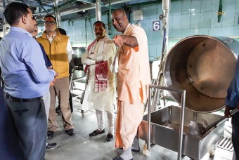 Honourable Chief Minister of Jharkhand visits Guwahati kitchen